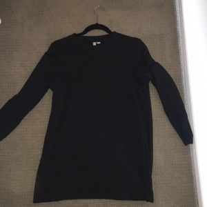Sweater with slits in the side